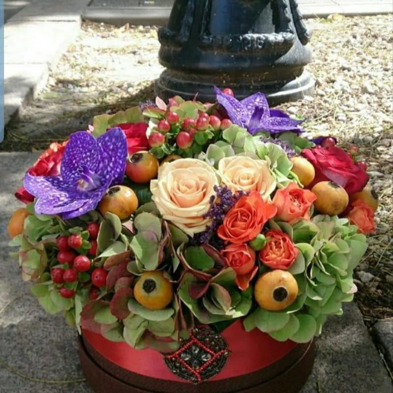 Смесени цветя в кутия