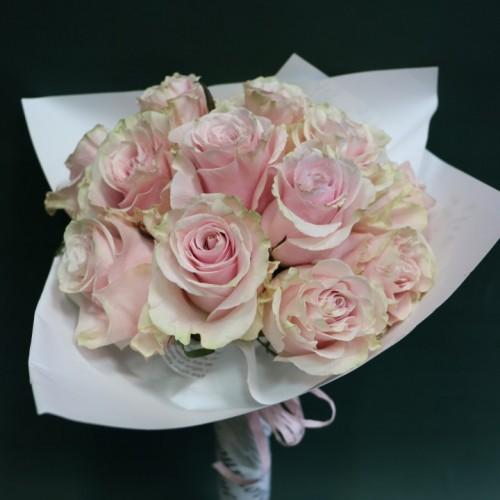 11 рози