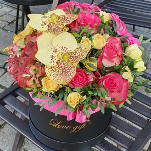 Кутия с цветя смесена